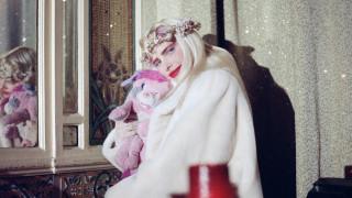 «Τσιτσιολίνα»: Γιατί η διάσημη πρωταγωνίστρια ερωτικών ταινιών μηνύει οίκο δημοπρασιών