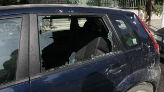 Εύοσμος: Ένοικοι πολυκατοικίας ξύπνησαν και βρήκαν τα αυτοκίνητά τους αναποδογυρισμένα