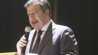 Γιώργος Καμίνης: Παραιτήθηκε από δήμαρχος Αθηναίων