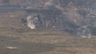 Είχε άγιο: Βουτιά 32χρονου σε κρατήρα ενεργού ηφαιστείου