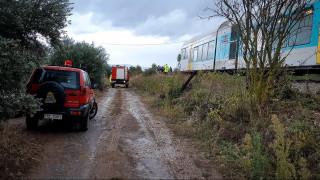 Ημαθία: Τρένο παρέσυρε Ι.Χ. αυτοκίνητο - Δύο νεκροί