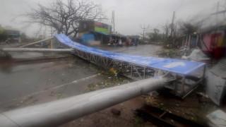 Δεκάδες νεκροί από το πέρασμα του τυφώνα Φάνι από Μπαγκλαντές - Ινδία