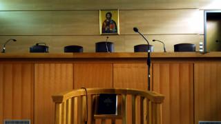 Προφυλακίστηκε ο πατέρας που κατηγορείται για τον κατ'εξακολούθηση βιασμό της ανήλικης κόρης του