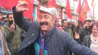 Ο Τούρκος κομμουνιστής δήμαρχος που γκρέμισε τους τοίχους