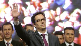 Ο «εκλεκτός» του Ζάεφ νικητής των προεδρικών εκλογών της Βόρειας Μακεδονίας