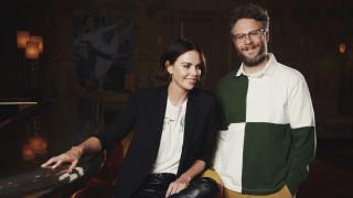 Σαρλίζ Θερόν και Σεθ Ρόγκεν αναπαριστούν 20 ρομαντικές κομεντί σε 12 λεπτά: Ένα απολαυστικό βίντεο