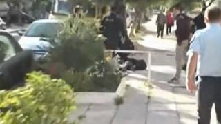 Έγκλημα στο Παλαιό Φάληρο: Η στιγμή της σύλληψης του αδελφοκτόνου