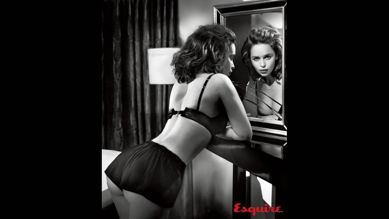 https://cdn.cnngreece.gr/media/news/2019/05/06/175598/photos/snapshot/Emilia-Clarke-Esquire2.jpg