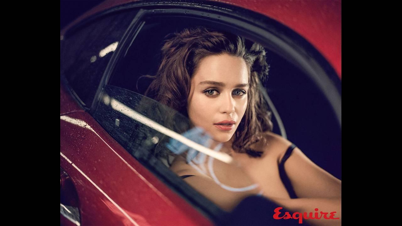 https://cdn.cnngreece.gr/media/news/2019/05/06/175598/photos/snapshot/Emilia-Clarke-Esquire5.jpg