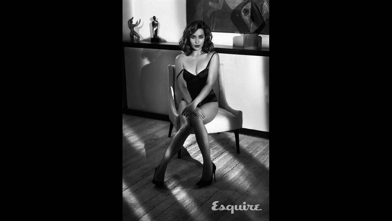 https://cdn.cnngreece.gr/media/news/2019/05/06/175598/photos/snapshot/Emilia-Clarke-Esquire8.jpg