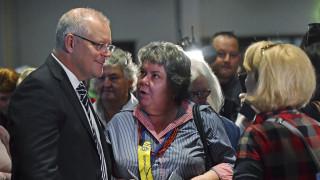 Αυστραλία: Διαδηλώτρια αποπειράθηκε να σπάσει αυγό στο κεφάλι του πρωθυπουργού
