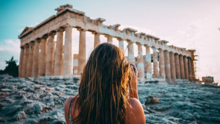 Κορυφαίος καλοκαιρινός προορισμός για τους Βρετανούς η Ελλάδα το 2019