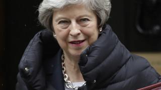 Μέι για Brexit: Δεν φεύγω, θα το «γυρίσω» όπως η Λίβερπουλ!