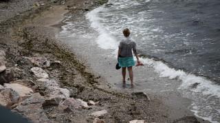 Υπόθεση για γενναίους οι βουτιές: Ασυνήθιστα κρύα τα νερά των θαλασσών