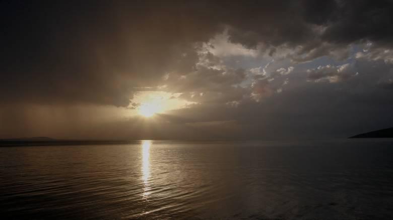 Καιρός: Άνοδος της θερμοκρασίας με.. βροχές και καταιγίδες