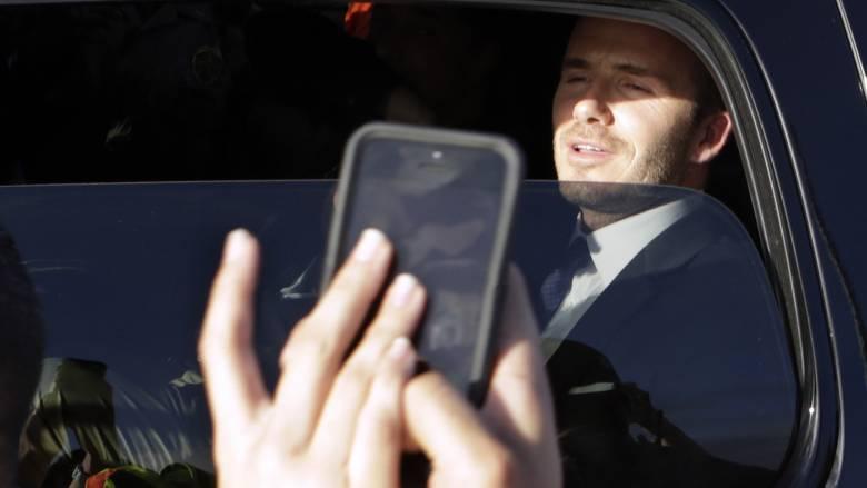 Ντέιβιντ Μπέκαμ: Του πήραν το δίπλωμα επειδή μιλούσε στο κινητό