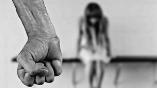 Λαμία: Πατέρας κατηγορείται ότι εξέδιδε την κόρη του με νοητική υστέρηση
