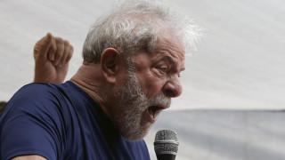 Λούλα για Μπολσονάρου: Άρρωστος που πιστεύει πως το πρόβλημα της Βραζιλίας λύνεται με όπλα
