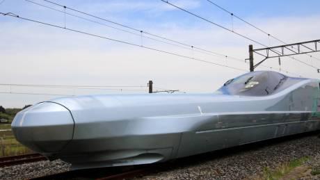 Το καμάρι των ιαπωνικών σιδηροδρόμων: Η νέα γενιά των bullet train τρέχει με 400