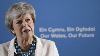 Συντηρητικοί βουλευτές ζητούν από τη Μέι ξεκάθαρο χρονοδιάγραμμα για την αποχώρησή της