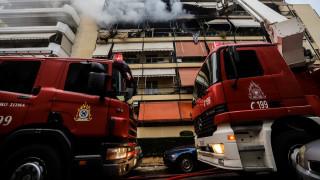 Θεσσαλονίκη: Από ένα κερί ξεκίνησε η μεγάλη πυρκαγιά - Ένας πυροσβέστης έσωσε οικογένεια