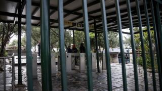 Ακρόπολη: «Πόρτα» σε Γερμανίδες τουρίστριες επειδή φορούσαν αρχαιοελληνική ενδυμασία
