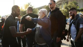 Τελικός Κυπέλλου 2019: Υποδέχθηκε την αποστολή του ΠΑΟΚ ο Σαββίδης