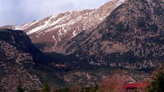 Αγνοούνται τρεις ορειβάτες στον Παρνασσό