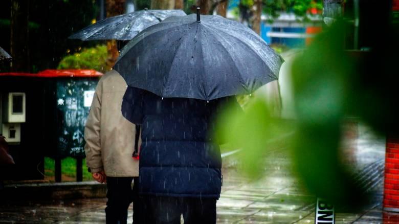 Καιρός: Ισχυρές καταιγίδες και χαλάζι - Πού θα «χτυπήσουν» τα φαινόμενα τις επόμενες ώρες