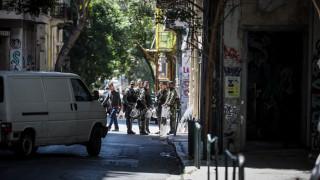 Εξάρχεια: Επιχείρηση της δίωξης ναρκωτικών με προσαγωγές και συλλήψεις