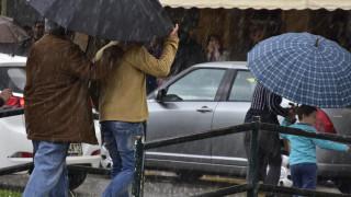 Καιρός: Βροχές, καταιγίδες, ακόμα και... χιονοπτώσεις μέχρι την Παρασκευή