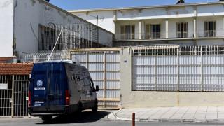 Συναγερμός στις φυλακές Κορυδαλλού μετά από τηλεφώνημα για βόμβα