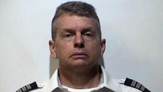 Θρίλερ σε αεροδρόμιο: Συνελήφθη πιλότος για το φόνο τριών ατόμων