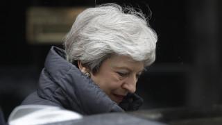 Ευρωεκλογές 2019: «Καταποντίζεται» η Μέι - Το σχέδιο μάχης του Κόμματος του Brexit που «καλπάζει»