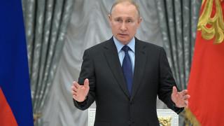 Προσπάθεια εξομάλυνσης των σχέσεων ΗΠΑ – Ρωσίας; Συνάντηση Πούτιν με τον Πομπέο
