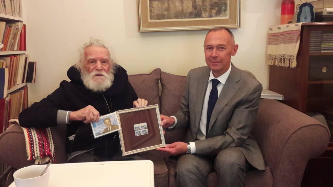 Τον Μανώλη Γλέζο επισκέφθηκε ο Ρώσος πρέσβης