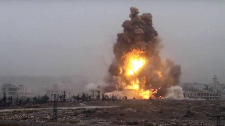 Δεκαπέντε νεκροί από βομβαρδισμούς στη Συρία