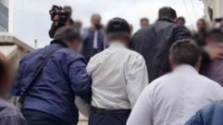 Φρίκη στη Λαμία: Ο πατέρας που εξέδιδε την κόρη του «την έδενε από το λαιμό με αλυσίδες σαν σκυλί»