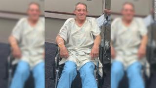 Αγρότης ακρωτηρίασε το πόδι του με μαχαίρι για να σώσει τη ζωή του