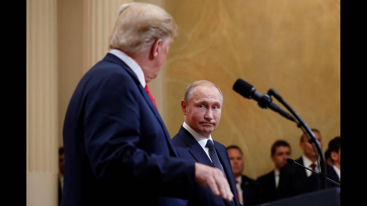 https://cdn.cnngreece.gr/media/news/2019/05/15/176798/photos/snapshot/2018-07-16T152358Z_316352164_RC120FE41700_RTRMADP_3_USA-RUSSIA-SUMMIT.jpg