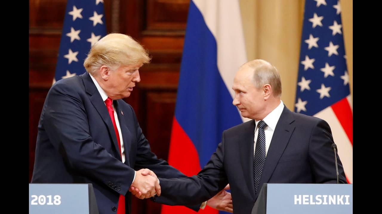 https://cdn.cnngreece.gr/media/news/2019/05/15/176798/photos/snapshot/2018-07-16T152458Z_1819055008_RC13CE42B420_RTRMADP_3_USA-RUSSIA-SUMMIT.jpg