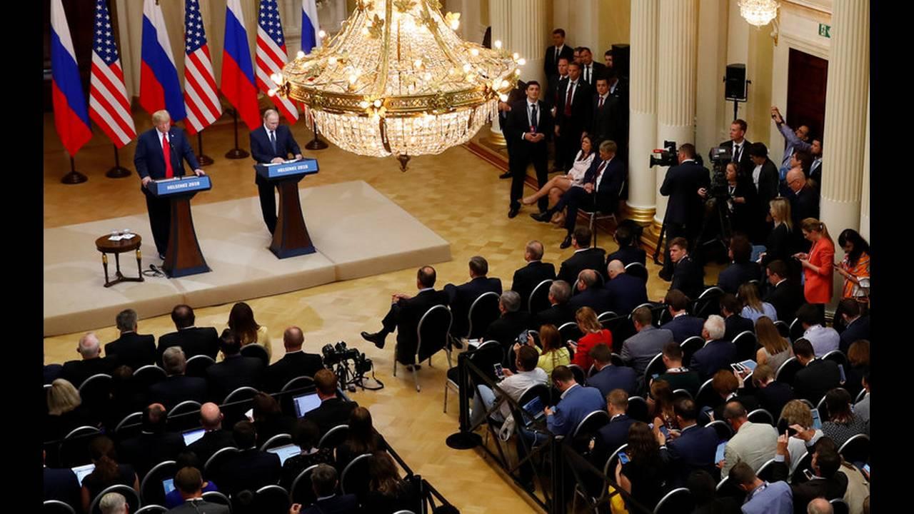 https://cdn.cnngreece.gr/media/news/2019/05/15/176798/photos/snapshot/2018-07-16T152517Z_864951642_RC1A65D5C0A0_RTRMADP_3_USA-RUSSIA-SUMMIT.jpg