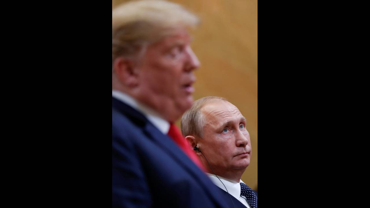https://cdn.cnngreece.gr/media/news/2019/05/15/176798/photos/snapshot/2018-07-16T153413Z_614924422_RC19127CA310_RTRMADP_3_USA-RUSSIA-SUMMIT.jpg