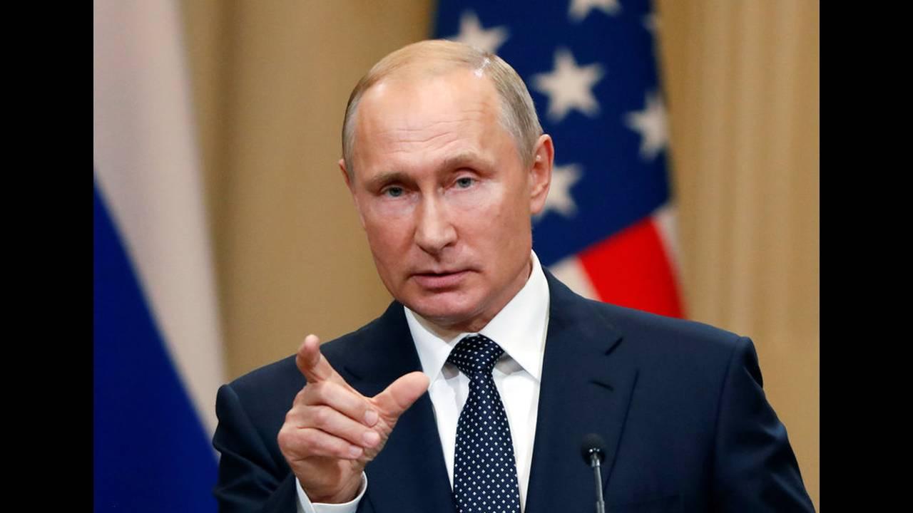 https://cdn.cnngreece.gr/media/news/2019/05/15/176798/photos/snapshot/2018-07-16T153621Z_337150769_RC14D7D9F4F0_RTRMADP_3_USA-RUSSIA-SUMMIT.jpg