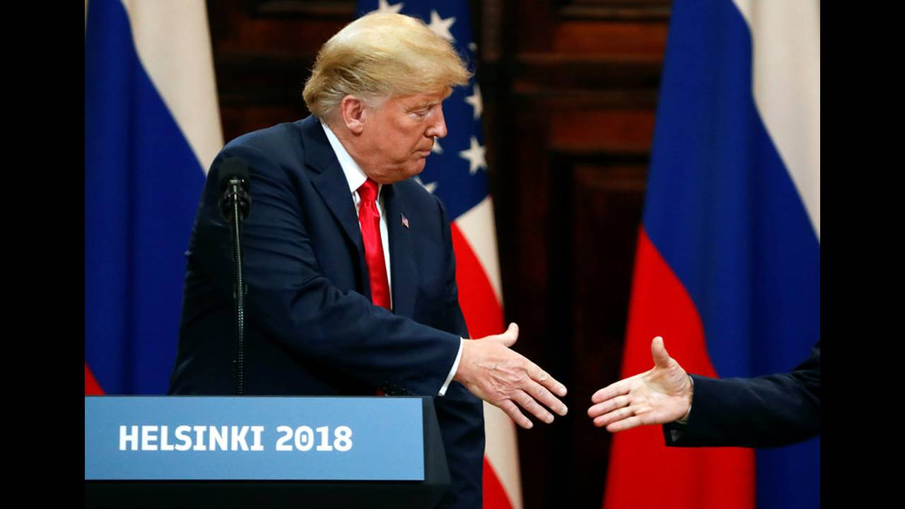 https://cdn.cnngreece.gr/media/news/2019/05/15/176798/photos/snapshot/2018-07-16T153816Z_1050913323_RC1A991F6510_RTRMADP_3_USA-RUSSIA-SUMMIT.jpg