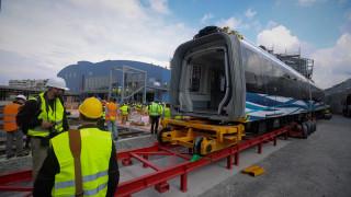 ΝΔ για Μετρό Θεσσαλονίκης: Έκαναν εγκαίνια χωρίς σταθμό και βόλτα με ακίνητο βαγόνι