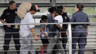 ΗΠΑ: Θα βρίσκουν με το DNA αν οι μετανάστες έχουν συγγενείς στη χώρα