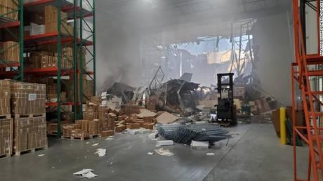 Καλιφόρνια: F-16 «εισέβαλε» σε αποθήκη επιχείρησης