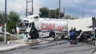 Τροχαίο στο Κορωπί: Την εμπλοκή τρίτου οχήματος εξετάζουν οι Αρχές