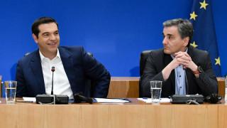 Πενταήμερο των παροχών – Επιδόματα και φοροελαφρύνσεις 1,5 δισ. ευρώ μέσα σε 120 ώρες